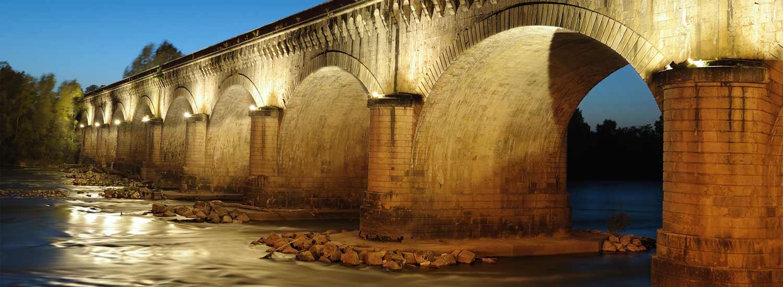 Le pont canal d'Agen à la tombée du soir