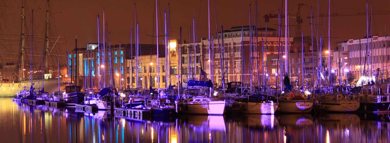 Le port de plaisance de Dunkerque la nuit