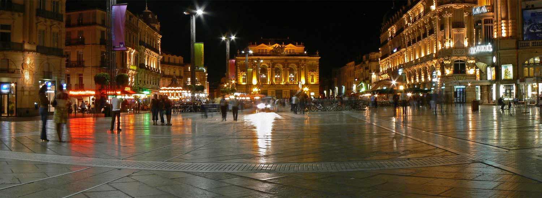 La Place de la Comédie de nuit
